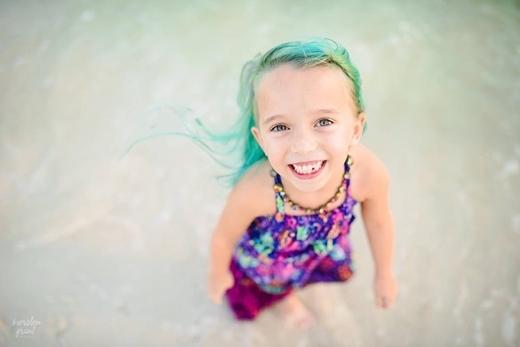 Dân tình đổ rạp trước quả đầu chất phát ngất của cô bé 6 tuổi này