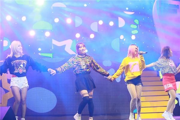 4 cô gái Lip5 mang đến màu sắc tươi vui, nhí nhảnh qua Love you want you, Số nhọ,... - Tin sao Viet - Tin tuc sao Viet - Scandal sao Viet - Tin tuc cua Sao - Tin cua Sao