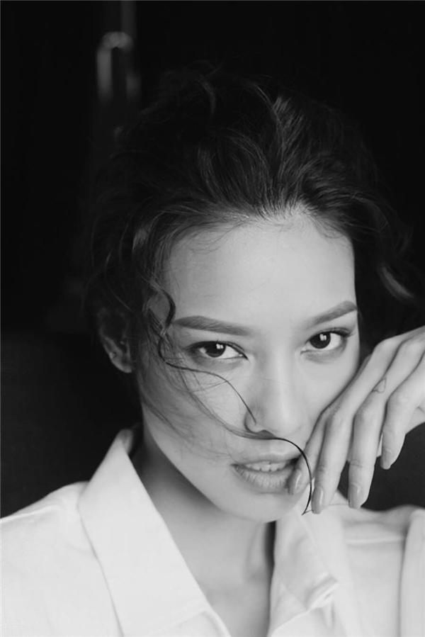 Bằng bản lĩnh và sự đầu tư tâm huyết với công việc người mẫu ngay sau khi rời cuộc thi,Lilly đãnhận được khá nhiều các hợp đồng quảng cáo vàcơ hội tham giacác bộ phim điện ảnh bên cạnh những gương mặt ăn khách của làng giải trí. - Tin sao Viet - Tin tuc sao Viet - Scandal sao Viet - Tin tuc cua Sao - Tin cua Sao