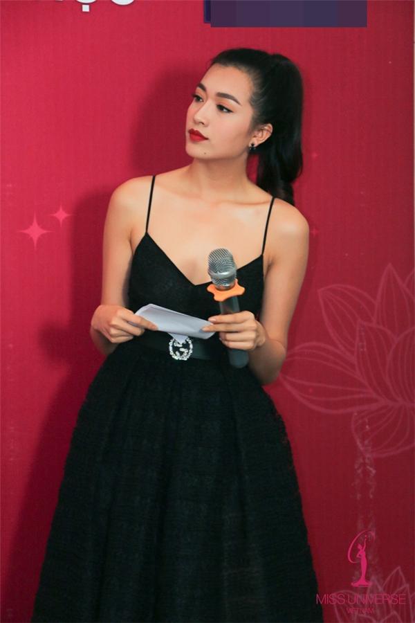 """Dù phía đơn vị nắm bản quyền vẫn chưa công bố đại diện chính thức của Việt Nam tại Miss Universe năm nay nhưng những hoạt động tích cực của Lệ Hằng cho thấy khả năng lớn cô đã được lựa chọn để """"chinh chiến"""" năm nay khi Á hậu 1 Ngô Trà My lập gia đình."""