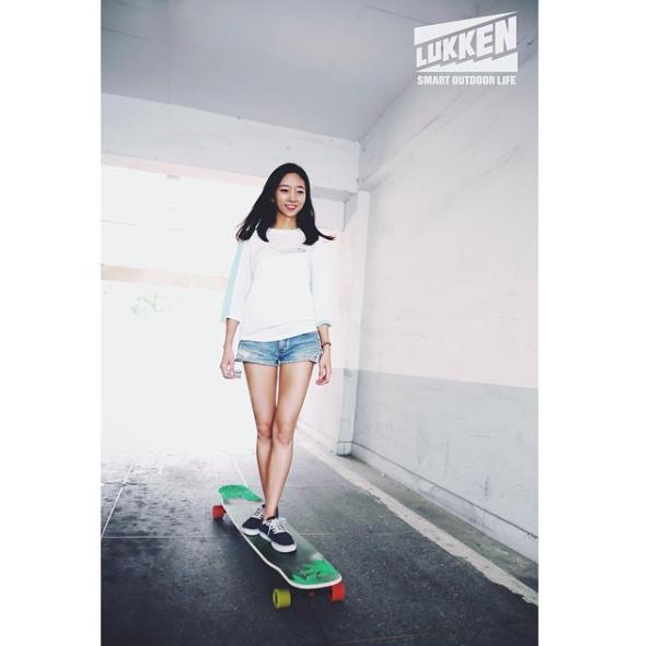 Hyo Joo chọn cho mình loạt ván trượt longboard khó nhằn.
