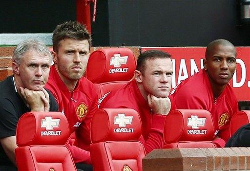 Ra tay trảm W. Rooney, Mourinho ghi dấu ấn đặc biệt với MU