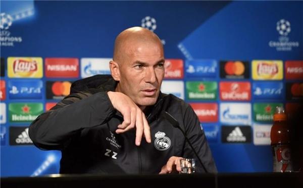 Zidane trả lời họp báo trước trận đấu ở Champions League rạng sáng mai.