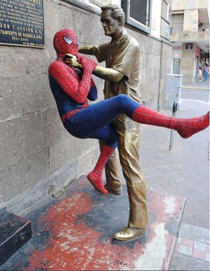 Ặc ặc, hình như có một siêu anh hùngmới sắp đánh bại được Spider Man rồi.