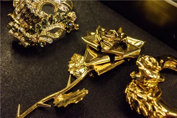 Diamond Showsẽ đầu tư hẳn một vườn Nhật đẹp nhất từ trước đến nay trên sân khấu Việt Nam được Mr Đàm đầu tư thiết kế riêng cho tiết mục Triệu Đóa Hoa Hồng là bí mật thứ 6. - Tin sao Viet - Tin tuc sao Viet - Scandal sao Viet - Tin tuc cua Sao - Tin cua Sao