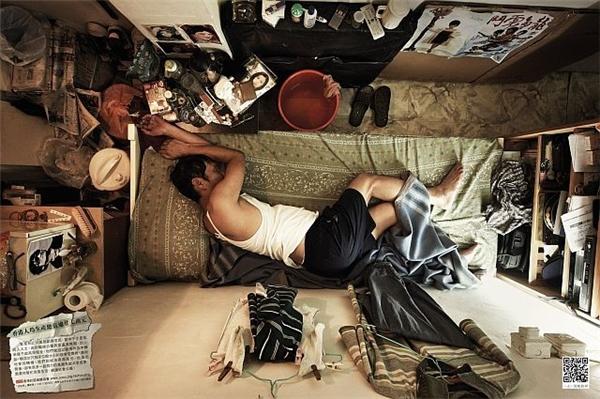 Từ nấu nướng, ăn ngủ, sinh hoạt; tất cả đều trong những căn phòng nhỏ hẹp như vậy.