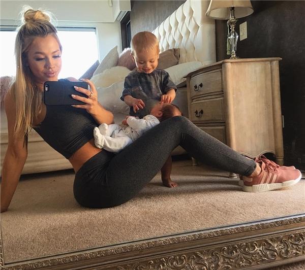 """Những hình ảnh hai tháng sau khi sinh của Tammy khiến các chị em """"phát hờn"""".(Ảnh: Instagram)"""