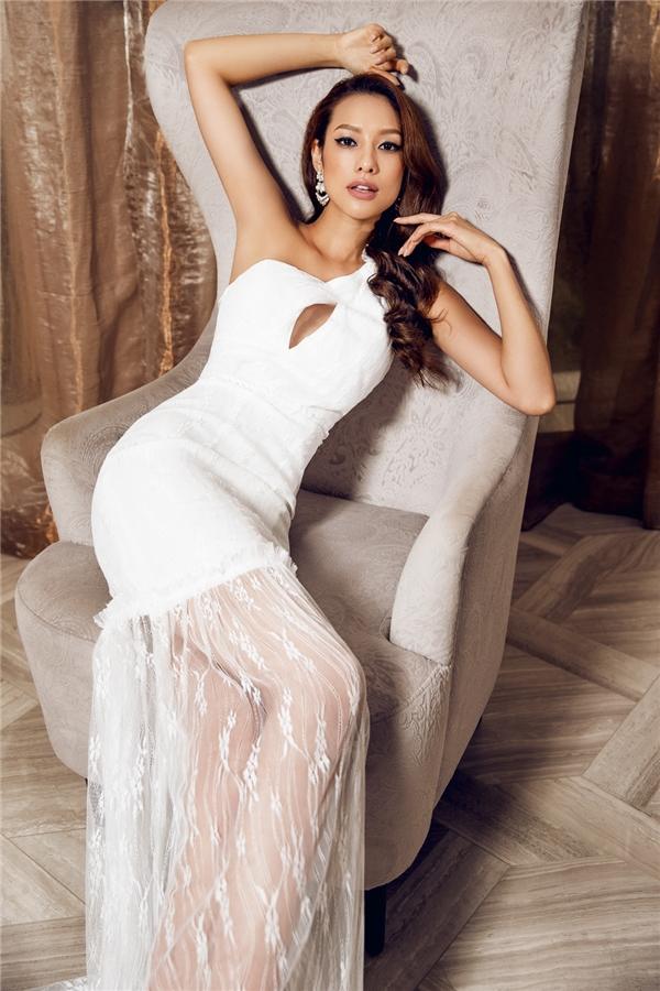 Bước ra từ chương trình The Face, Lilly Nguyễn trở thành gương mặt đắt show sự kiện, chụp ảnh thời trang nhất ở thời điểm hiện tại. Dù không dành được vị trí quán quân nhưng học trò của Hồ Ngọc Hà trở thành cái tên được săn đón nhất sau cuộc thi.
