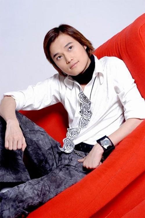 Tuấn Hưng hay Isaac, Quang Vinh để tóc dài lãng tử nhất showbiz Việt?