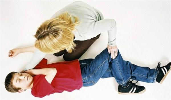 Những cách cấp cứu tai nạn thường ngày mà bạn phải thuộc nằm lòng