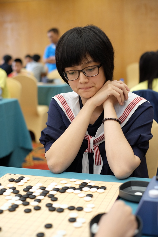 Khánh Linh luôn được cha mẹ ủng hộ trong việc theo đuổi đam mê cờ vây.