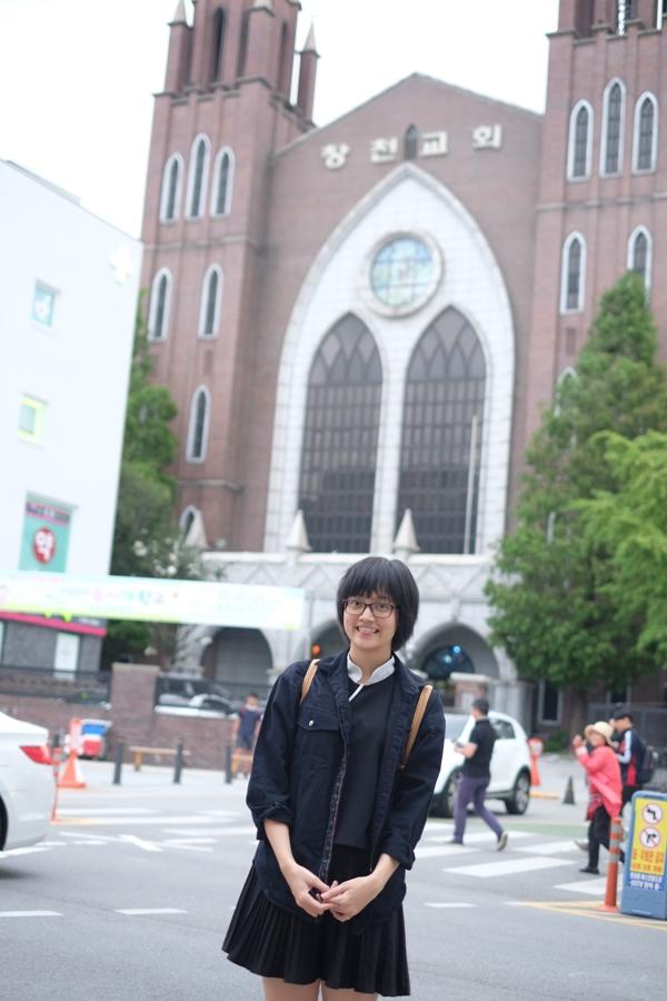 Linh là nữ sinh người Việt Nam đầu tiên được nhận học bổng Thạc sĩ chuyên ngànhCờ vây học tạitrường Đại học Myongji (Hàn Quốc)