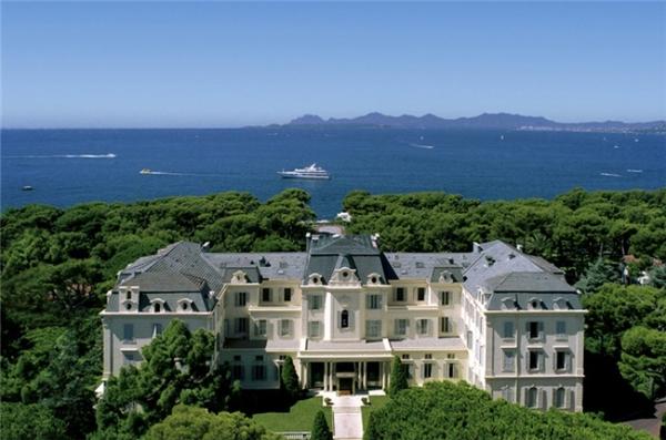Toàn cảnh khách sạn Hotel du Cap-Eden-Roc.