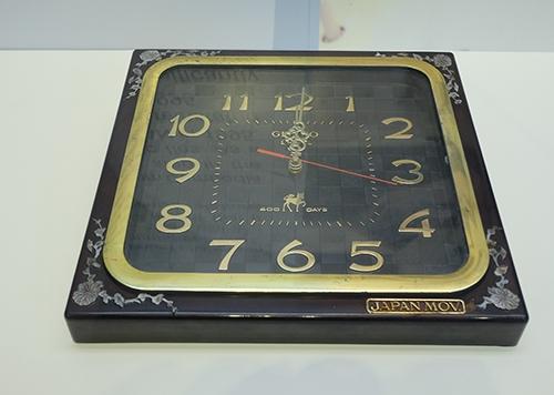 Đồng hồ treo tường hiệuGimiko được xem như một vật phẩm sang trọng để trang trí căn phòng. (Ảnh: internet)