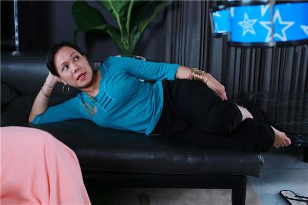 Được biết, trong phim Sám Hối, nữ danh hài Việt Hương vào vai chị Đen, người làm cho gia đình vợ chồng Long (Bình Minh -Anh Thư). - Tin sao Viet - Tin tuc sao Viet - Scandal sao Viet - Tin tuc cua Sao - Tin cua Sao