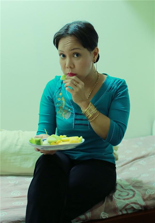 Việt Hương nói gì khi bị chỉ trích khoe mẽ vì đeo vàng sáng chói? - Tin sao Viet - Tin tuc sao Viet - Scandal sao Viet - Tin tuc cua Sao - Tin cua Sao