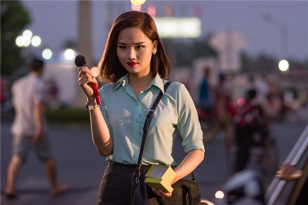 Trong lần tái xuất này, Miu Lê sẽ lột xác để vào vai một vị sếp nữ xinh đẹp, yêu say đắm nhưng lại cực kỳ cá tính và không chịu nhường người yêu một bước. - Tin sao Viet - Tin tuc sao Viet - Scandal sao Viet - Tin tuc cua Sao - Tin cua Sao