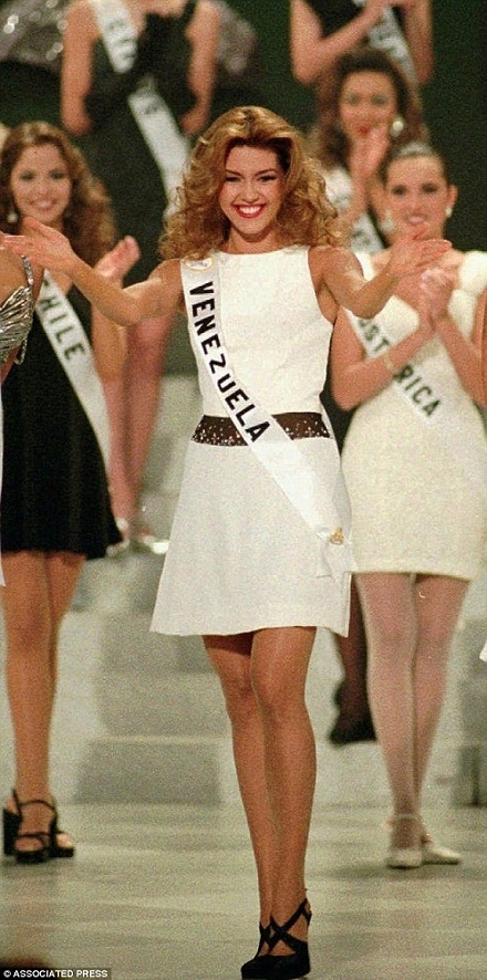Alicia Machado - cô gái từng bị ôngDonald Trump - ứng viên tranh cử Tổng thống Mỹ, cựu ông chủsở hữuđấu trường nhan sắc Miss Universe gọi là Hoa hậu Lợn. Ảnh: Associated Press.