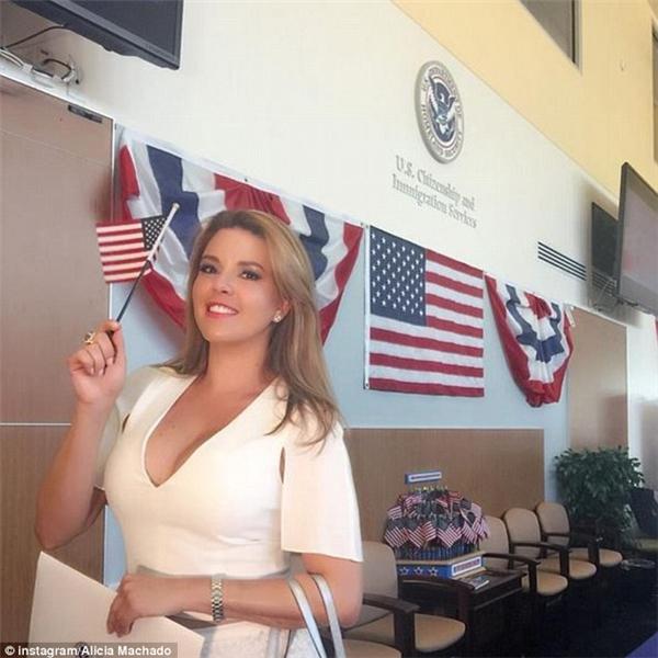 """20 năm sau quá khứ đen tối, Alicia giờ đây đã trở thành công dân Mỹ, nắm trong tay một phần """"số phận"""" của ông Donald Trump.Ảnh: Instagram Alicia Machado."""