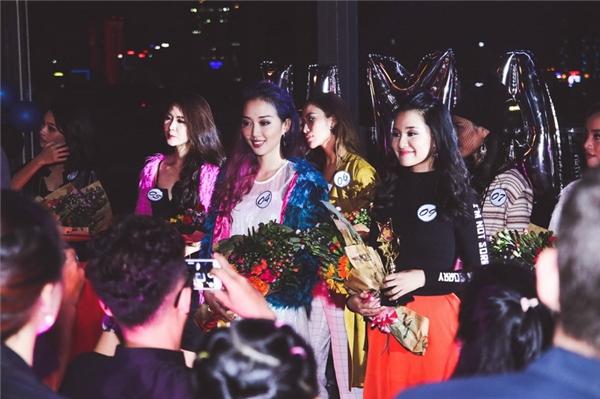 Thùy Linh và Khánh Quỳnh đoạt giải Trình diễn xuất sắc nhất.