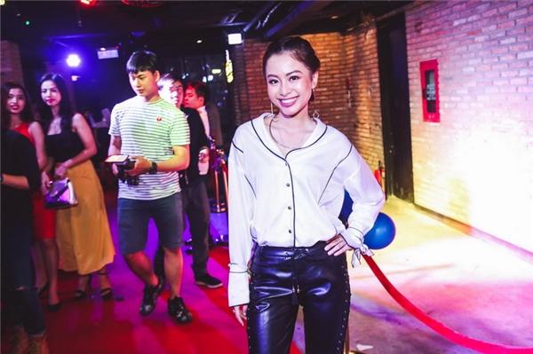 VJ Tuyền Tăng – MC chính của buổi tiệc chung kết Người Mẫu Ảnh 2016.