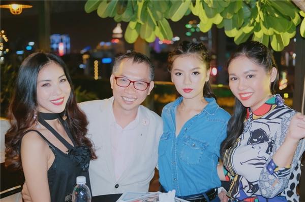 Ca sĩ Mai Fin, nhiếp ảnh gia Phạm Hoài Nam, diễn viên Hạ Anh, nhà báo Mai Lâm.
