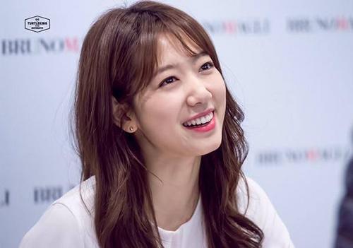 Những cô gái Hàn Quốc có bí quyết dưỡng da khác chúng ta như thế nào.