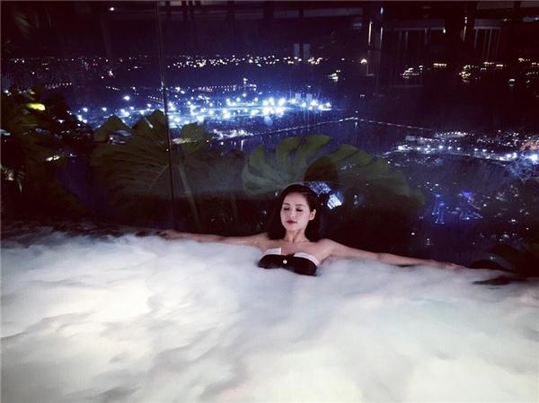 Tâm Tít khoe ảnh nghỉ dưỡng tại siêu khách sạn đắt nhất thế giới - Tin sao Viet - Tin tuc sao Viet - Scandal sao Viet - Tin tuc cua Sao - Tin cua Sao