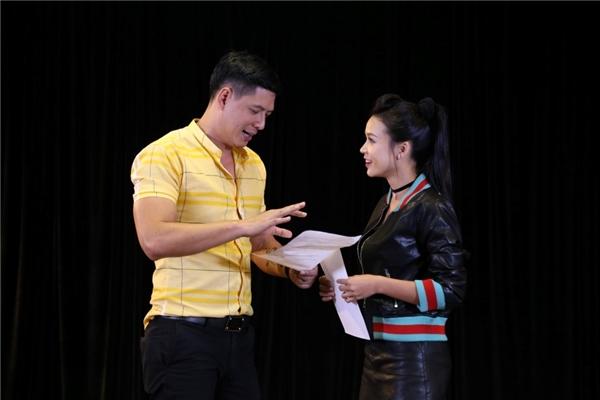 """Bình Minh, Thu Trang """"truyền bí kíp"""" cho thí sinh """"Gia Đình Là Số 1"""""""