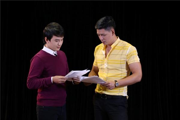 Bên cạnh đó, hai giám khảo Thu Trang và Bình Minh còn lên tận sân khấu để thị phạm cho các thí sinh khiến không khí diễn ra vô cùng hào hứng.