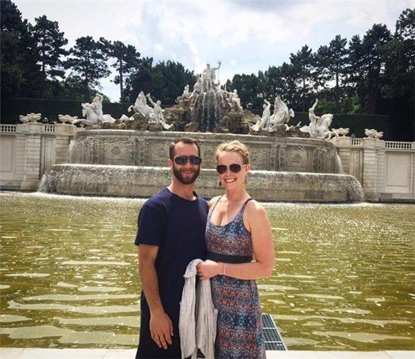 Bí quyết du lịch thế giới khi không một xu dính túi của cặp đôi trẻ