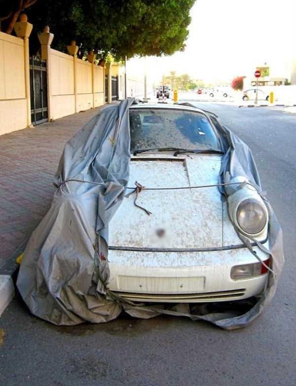 Những chiếc xe triệu đô bị bỏ phế không thương tiếc.