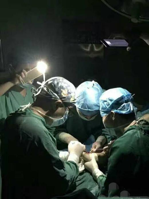 """Y bác sĩ ởbệnh viện Phúc Kiến, Trung Quốc được mọi người ca ngợi là """"lương y từ mẫu""""."""