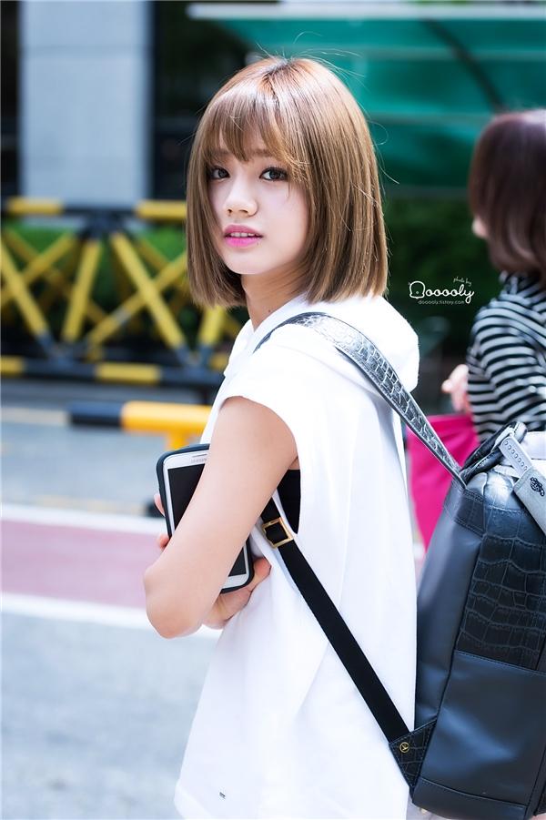 Với kiểu tóc này, Hyeritrông vô cùng trẻ trung và đáng yêu.