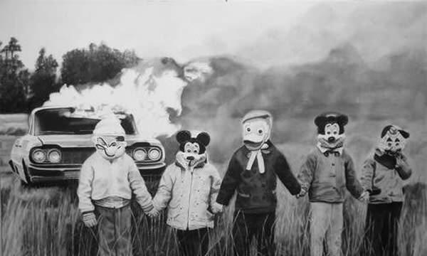 Một gia đình đang chuẩn bị đi đến công viên Disneyland?(Ảnh: Internet)