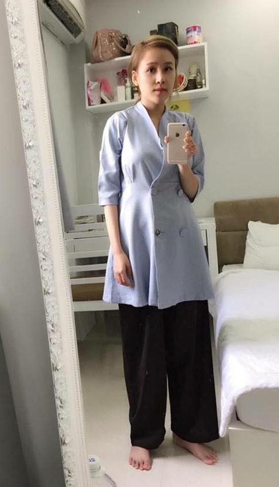 Chiếc áo blazer dạng váy mà cô mua về bị nhận xét là trông giống như đồ đi chùa.