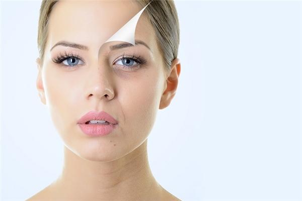 Tế bào chết nếu không được tẩy đi sẽ kết thành một lớp mặt nạ trên da.