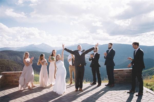 Ngưỡng mộ cặp đôi tổ chức một lễ cưới hoàn hảo... chỉ trong 4 tiếng