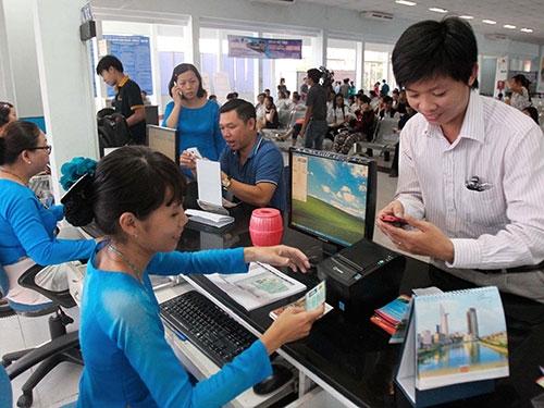 Ngoài đến trực tiếp mua vé, hành khách có thể nhắn tin để lấy số thứ tự. (Ảnh: internet)