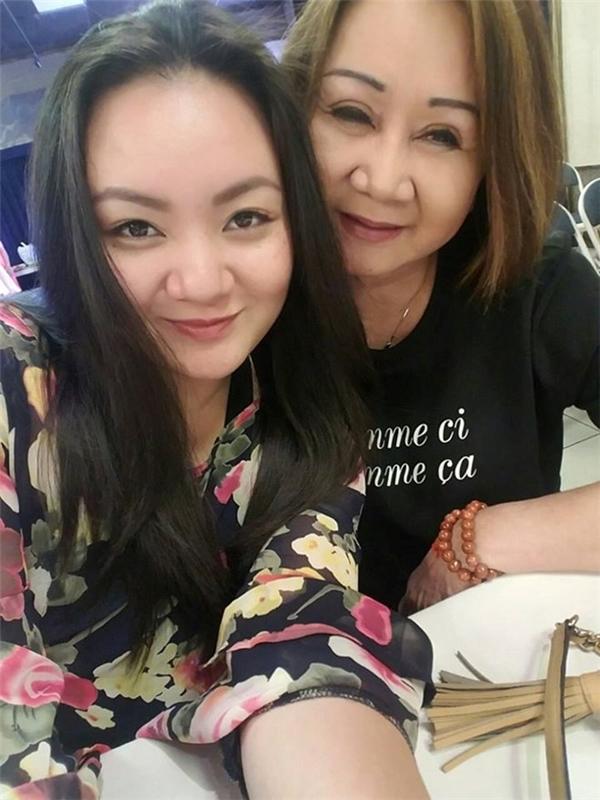 Hình ảnh mới nhất của Xuân Mai và mẹ ruột - bà Thu Thu. - Tin sao Viet - Tin tuc sao Viet - Scandal sao Viet - Tin tuc cua Sao - Tin cua Sao