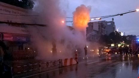 Lực lượng cảnh sát PCCC nhanh chóng có mặt triển khai khống chế hỏa hoạn (Ảnh: Internet)