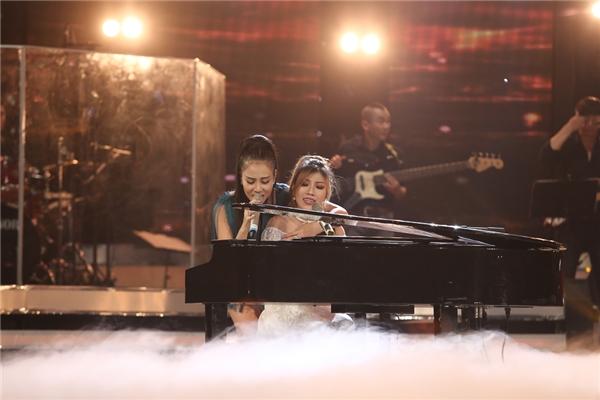 Cả hai cùng nhau mang đến một tiết mục thăng hoa và được đánh giá là ấn tượng nhất trong đêm đăng quang của Vietnam Idol 2016. - Tin sao Viet - Tin tuc sao Viet - Scandal sao Viet - Tin tuc cua Sao - Tin cua Sao