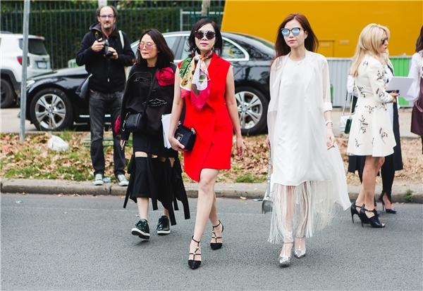 Bà Nga Lưu và một vài người bạn.