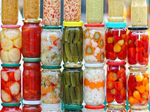 Cũng giống như các loại dưa chua và quả muối khác, chanh muối được xem là món ăn kèm vừa tốt cho sức khỏe vừa ngon miệng.