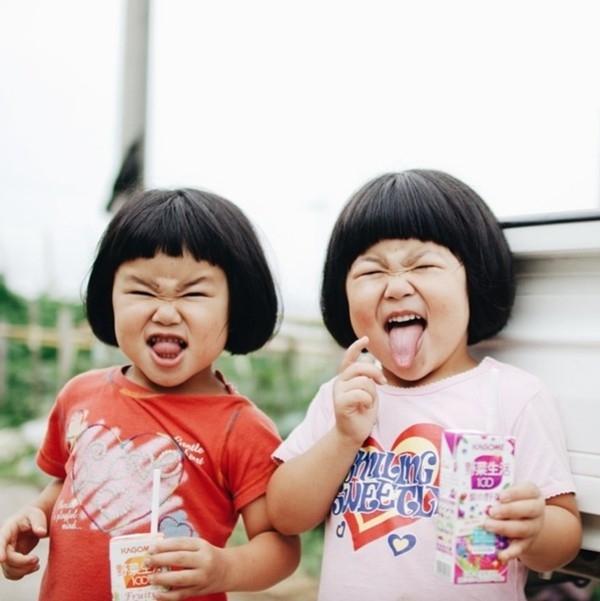 Nhiếp ảnh gia nghiệp dư Akira hiện đã là cha của 4 đứa trẻ: 1 cậu con trai, 1 cô con gái,và 2 bé gái sinh đôi.