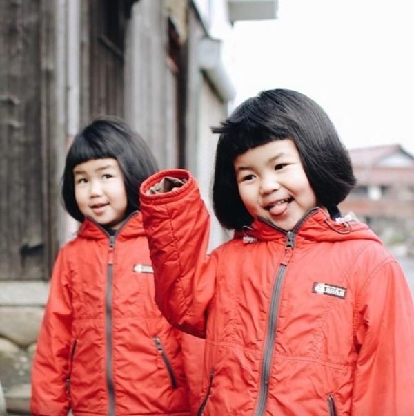 """""""Hai đứa có ngoại hình giống nhau nhưng tính cách thì khác hẳn"""", Akirachia sẻ trên blog"""