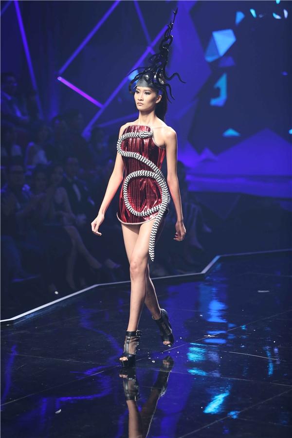 Thùy Trang cũng dừng chân ở vị trí top 5 chung cuộc. Cô gái này với những tố chất nổi bật hứa hẹn sẽ trở thành một điểm sáng cho làng mẫu Việt trong tương lai.
