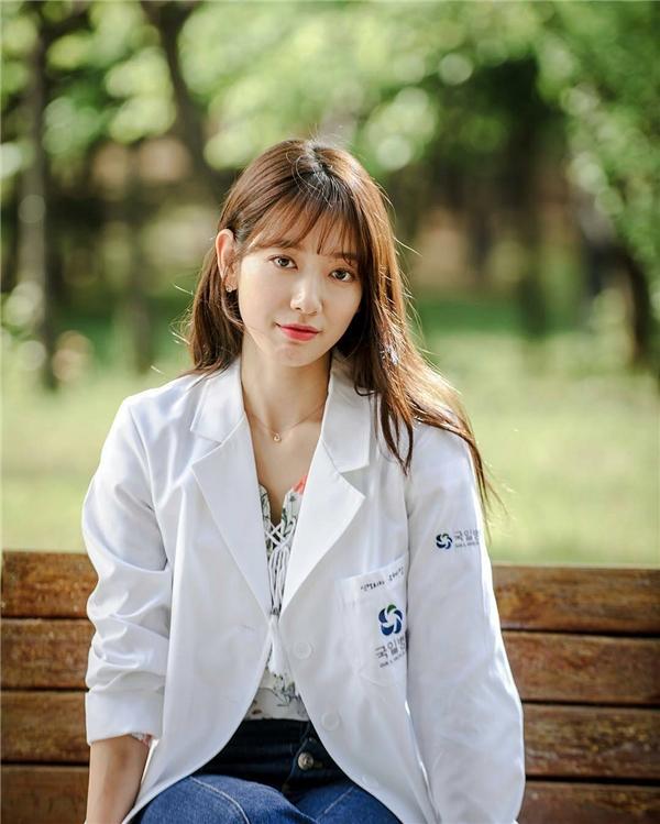"""Đặt cạnh 3 gương mặt này, Han Hyo Joo """"lép vế"""" cũng là điều dễ hiểu"""