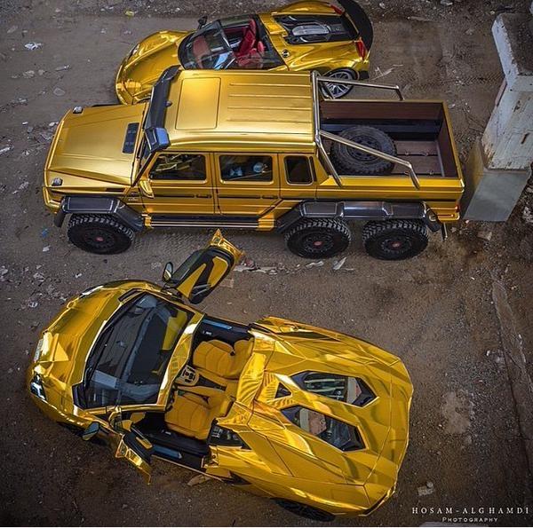 """Siêu xe đã quá """"bình dân"""", siêu xe vàng mới thể hiện được đúng đẳng cấp người chơi xe."""