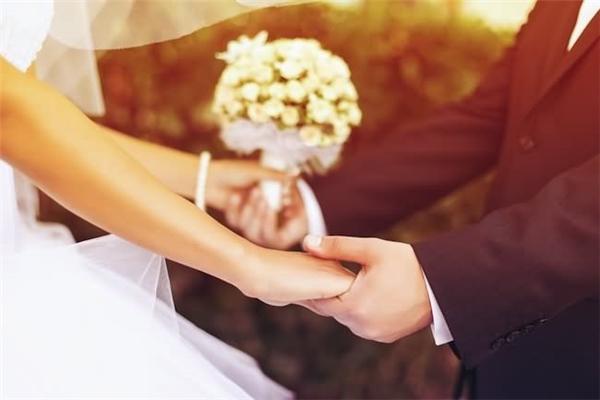Sau 3 tháng kết hôn, triệu phú 68 tuổi người Mỹ bàng hoàng phát hiện mình đã cưới nhầm... cháu gái ruột thất lạc từ lâu.